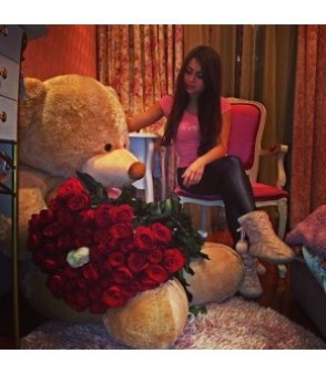 Giant Teddy & Dozen Roses (5ft)